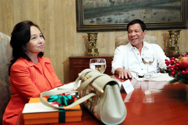 Former President Gloria Macapagal-Arroyo and President Rodrigo Duterte / PNA
